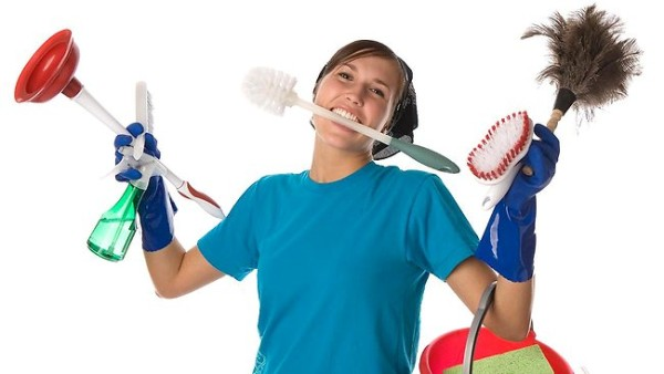 422558-house-cleaning